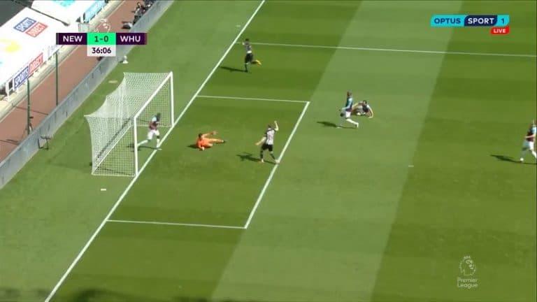 Video: West Ham ampui itseään kahdesti jalkaan – oma maali ja punainen kortti 30 sekunnin sisään