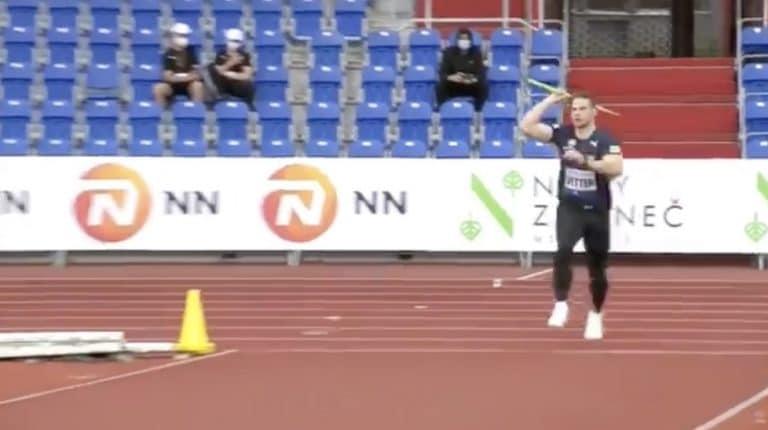 Video: Käsittämätön kaari! Johannes Vetter kiskaisi yli 94 metriä