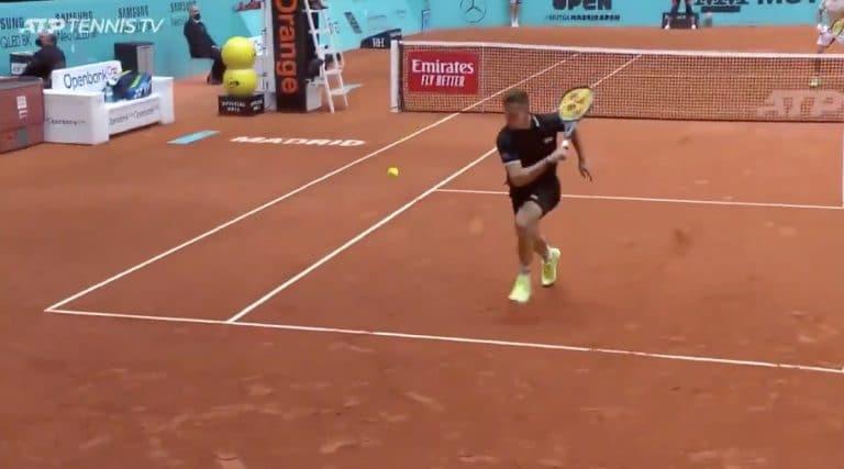 Video: Onko tässä vuoden lyönti? ATP-turnauksessa nähtiin huima taidonnäyte