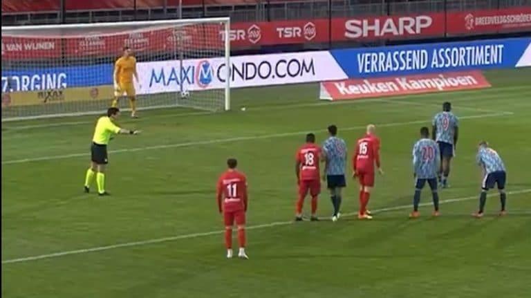 Video: Ajax-junnu tunaroi rankkarin koomisesti – tykitti pallon kirjaimellisesti ulos stadionilta