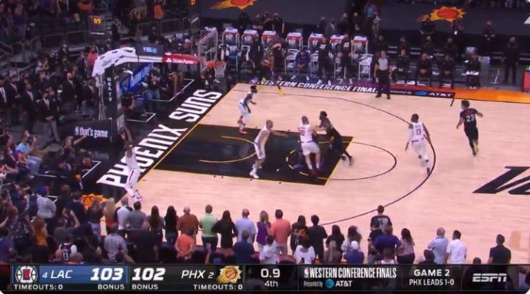 Video: Huima loppuratkaisu NBA-pudotuspeleissä – Deandre Ayton upotti voittokorin viimeisellä sekunnilla