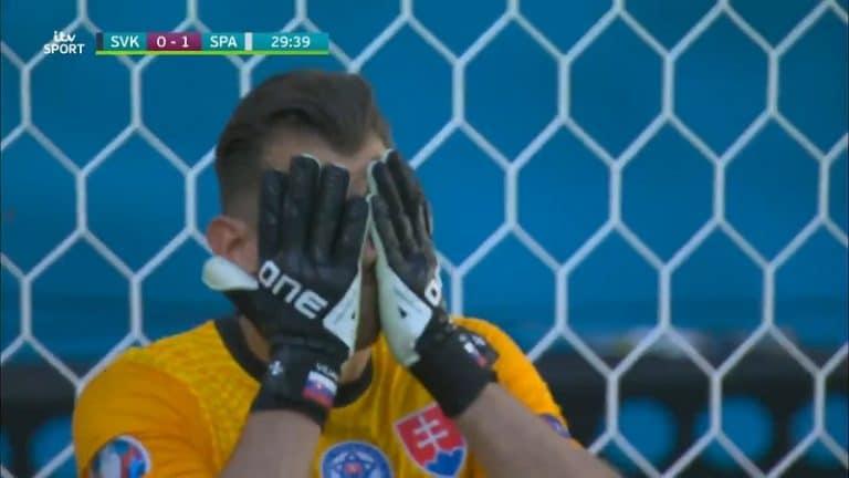 Video: Huikea aivopieru – Slovakian maalivahti Martin Dubravka tunaroi EM-kisojen erikoisimman maalin
