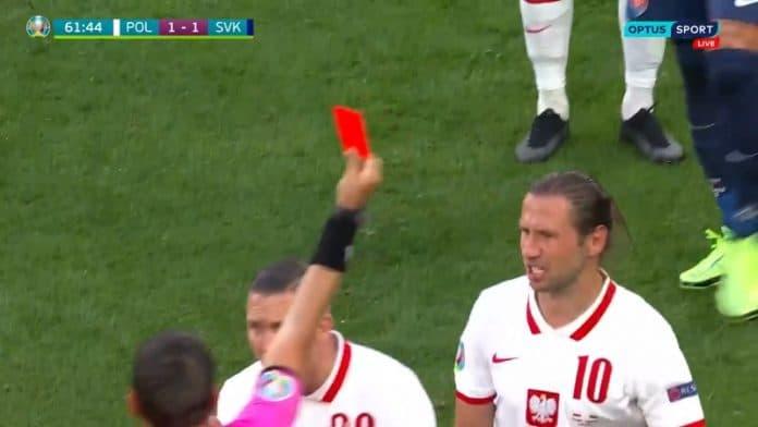 Slovakia vs Puola punainen kortti / Pallomeri.net