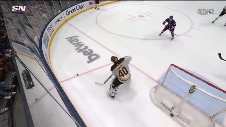 Video: Tuukka Raskin virhe maksoi voittomaalin ja johdatti Bruinsia lomille – huono syöttö rännissä, oma verkko heilui heti