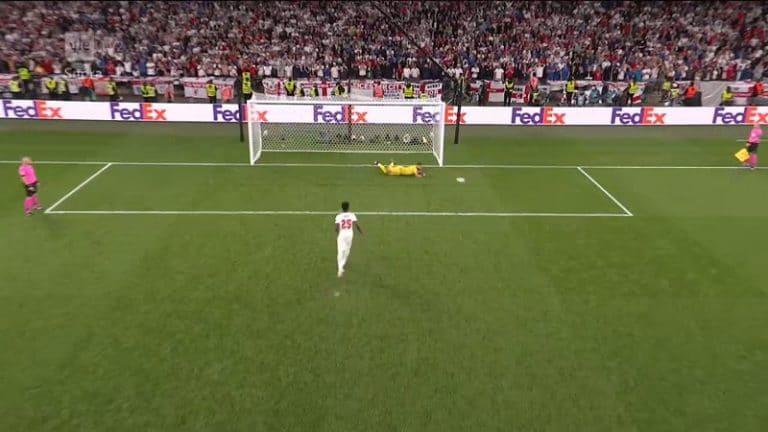 Video: Nuorukaisten kantti petti paineen alla – Englanti hävisi pilkkukisan kolmella perättäisellä missauksella