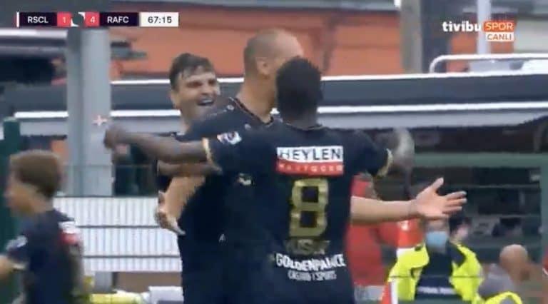 Video: Uskomaton temppu! Hyökkääjä iski viidellä laukauksella viisi maalia Belgian liigassa
