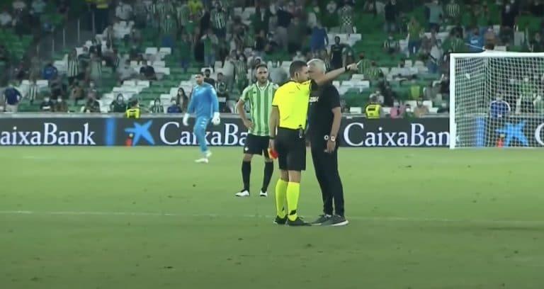 Video: Jose Mourinho näki punaista harjoitusottelussa – ryntäsi kentälle protestoimaan