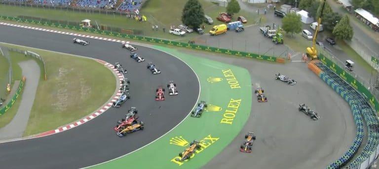 Video: Valtteri Bottas aiheutti ison luokan joukkokolarin Unkarin GP:ssä