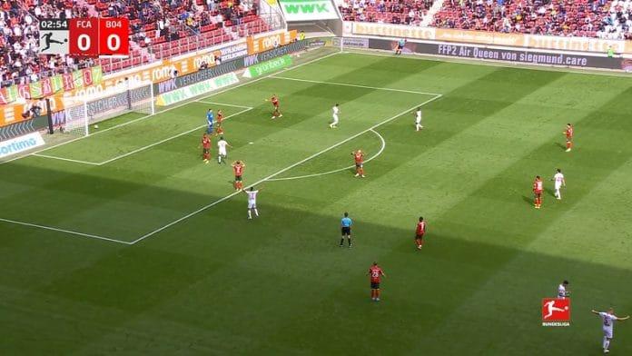 Augsburgin puolustus tekee kaksi omaa maalia / Pallomeri.net