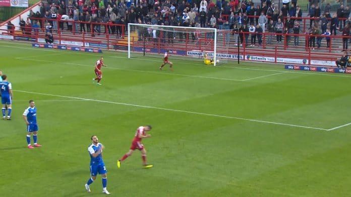 Doncaster Roversin Pontus Dahlberg / Pallomeri.net