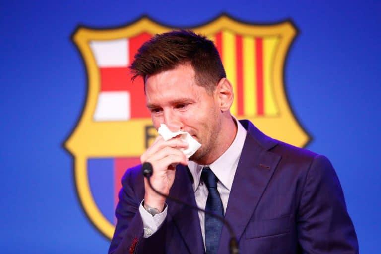 """Video: Lionel Messi purskahti lohduttomaan itkuun – """"Tämä on urani vaikein hetki"""""""