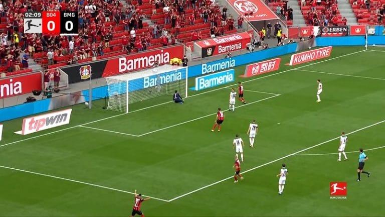 Video: Koominen oma maali Bundesliigassa – Mönchengladbach-vahti toimi täydellisenä kimmokkeena