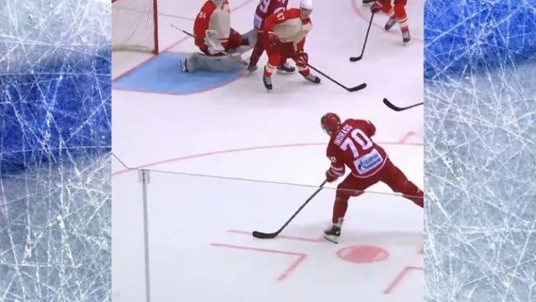 Video: Huikaiseva venytys KHL-treenipelissä – Spartak-veskari pelasti varman maalin