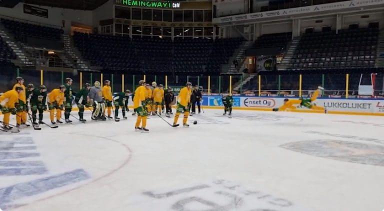 Video: Ilves juhlisti Manse PP:n mestaruutta – jääkiekko vaihtui treeneissä pesikseen