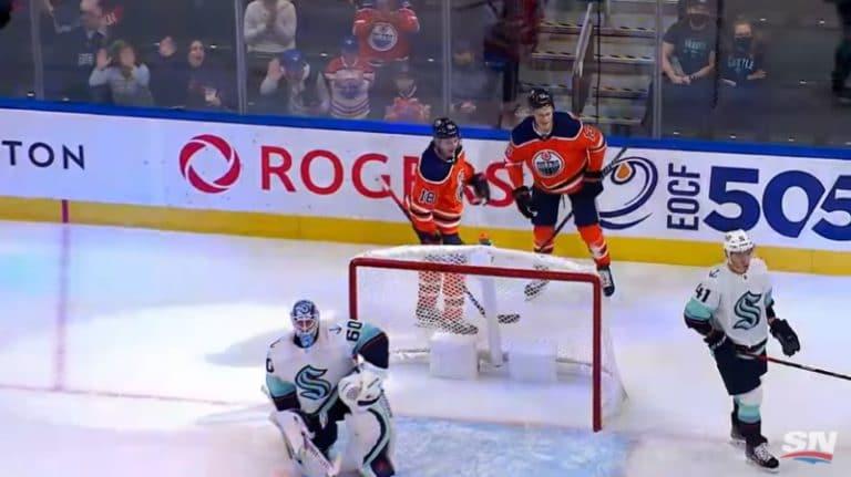 Video: Puljujärvi ja McDavid alustivat fantastisella tavalla – Zach Hyman sai kunnian viimeistellä