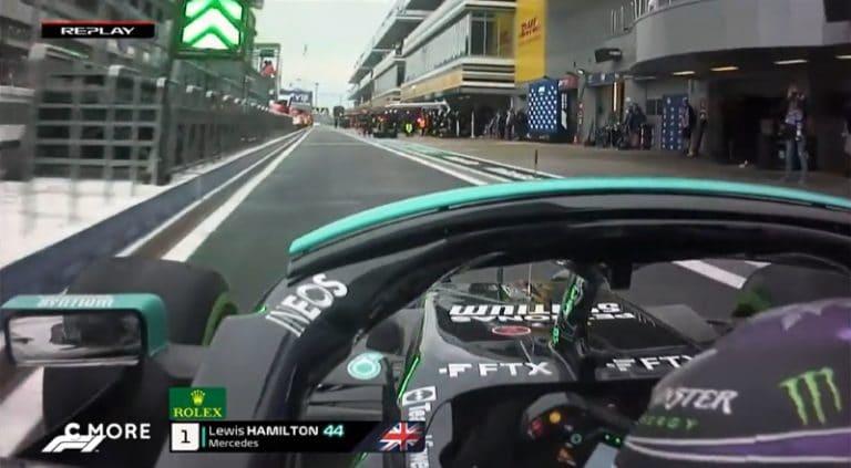 Video: Lewis Hamiltonilta erikoinen kämmi – jysäytti seinään varikkosuoralla