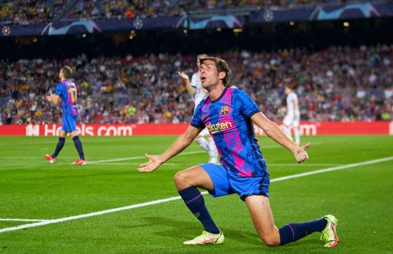 AS: Barcelonan Sergi Roberto puhkesi kyyneliin – omien fanien tyly kohtelu oli liikaa