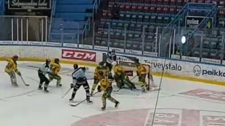 Video: Pelicansin Aatu Jämsen takoi hirmupinnat U20 SM-Liigassa – illan kruununa komea ilmaveivi