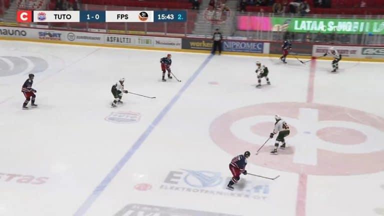 """Video: TUTO:n Niklas Konttila antoi hävyttömän ovelan passin – huikea """"kaaripallo"""" vastustajien yli"""
