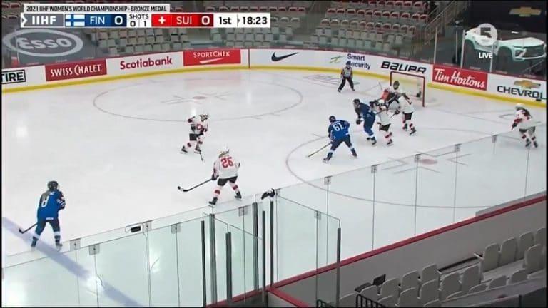 Video: Naisleijonat juhlivat MM-pronssia – Tanja Niskanen avasi maalihanat aivan tajuttomalla laserilla
