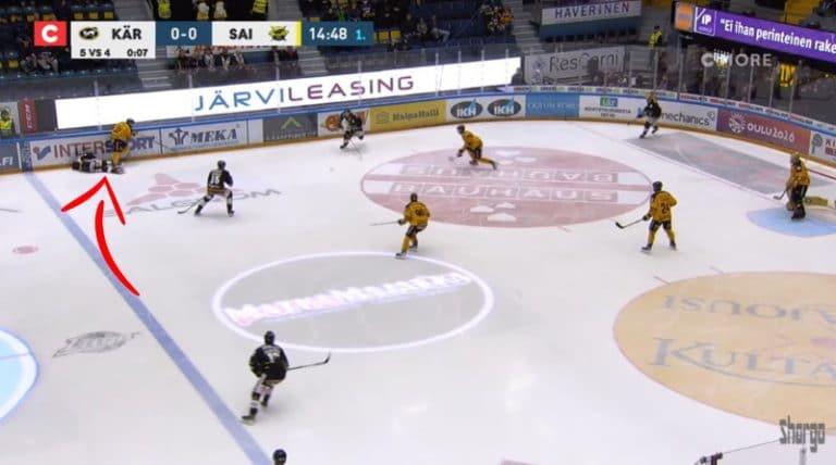 Video: SaiPan Dominik Lakatos neljän ottelun pelikieltoon – ajoi Topi Niemelää rajusti selkään