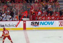 Matthew Tkachuk Calgary Flames jäähy - pallomeri.net