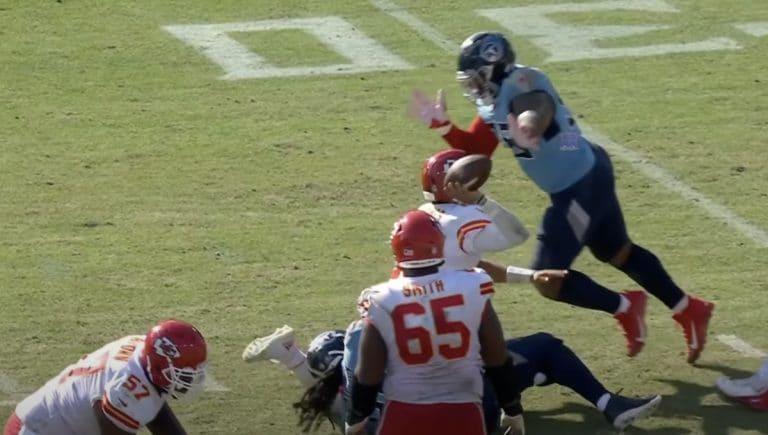 Video: NFL-tähti Patrick Mahomes loukkaantui todella ikävällä tavalla