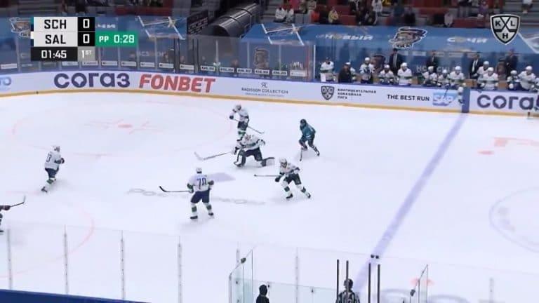 Video: Juha Metsola lähti seikkailulle KHL:ssä – selvisi ilman takaiskua kuin ihmeen kaupalla